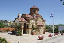 Κατασκεύη εκκλησίας στο Λαύριο από την Batzolis Θυρεός Stone.
