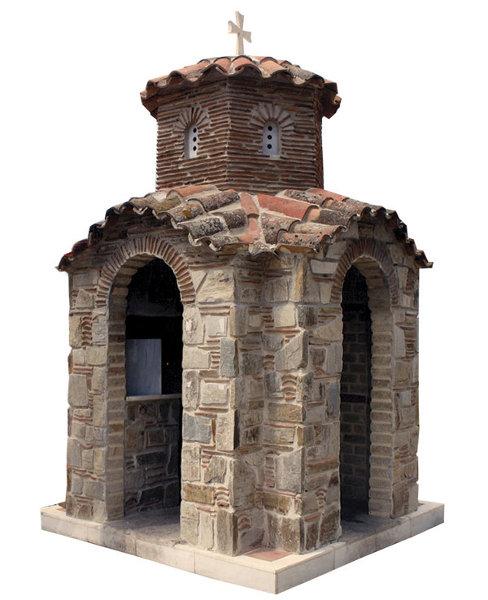 Πέτρινο Εκκλησάκι - 681